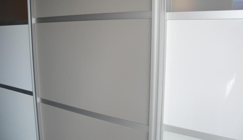 schiebetuer-showroom-umbau-sprossen | meine möbelmanufaktur