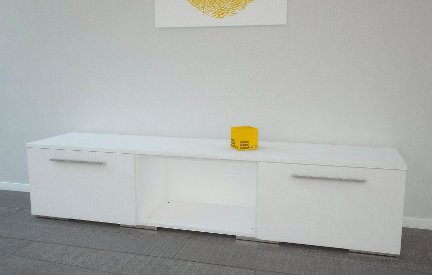 tv lowboard wei meine m belmanufaktur. Black Bedroom Furniture Sets. Home Design Ideas